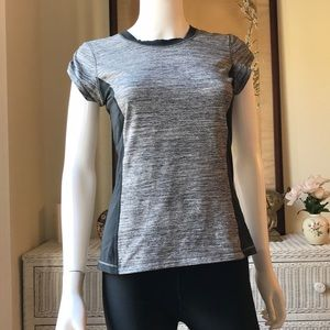 Lululemon grey black fitness tee 6